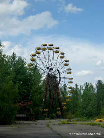 The Ferris Wheel in the abandoned town of Prypiat, Chernobyl.